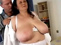 Mature w great tits has sex outdoor