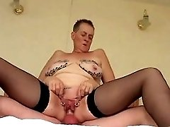 Chubby mature has fuck n catch cum