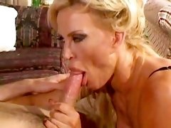 Milf gets cum on ass after anal sex