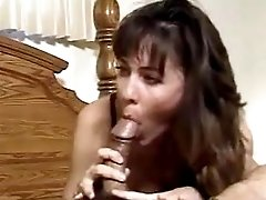 Mom gets creampie after fuck in gym